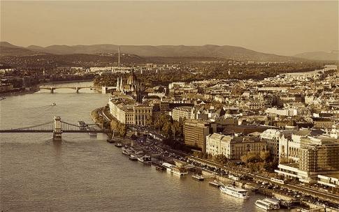 Budapest-aerial_2391504b.jpg