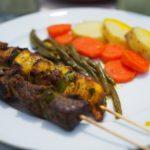 食で知る紛争地のエッセイ「国家を食べる」